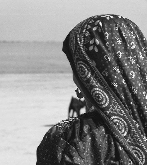 africanesque femme desert